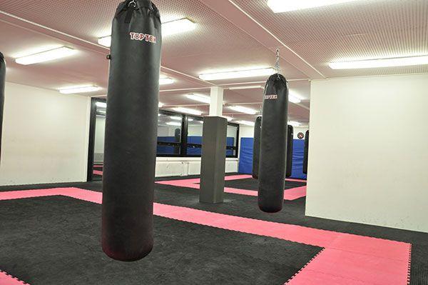 Krav Maga Krefeld Boxen Trainingshalle Boxsaecke