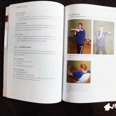 Der Seitwärtshaken wird durch eine detaillierte Beschreibung und einige Bilder näher veranschaulicht