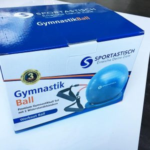 Der Karton von dem Gymnastikball