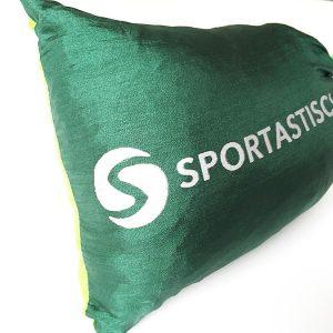 """Das Logo """"Sportastisch"""" auf dem Aufbewahrungsbeutel"""