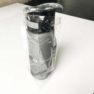 Die Verpackungsfolie der Trinkflasche