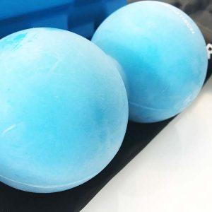 Hier siehst du die Oberflächenstruktur von dem Doppelmassageball